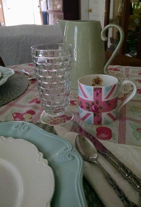 Mother's Day Table | Vintage Floral Cottage