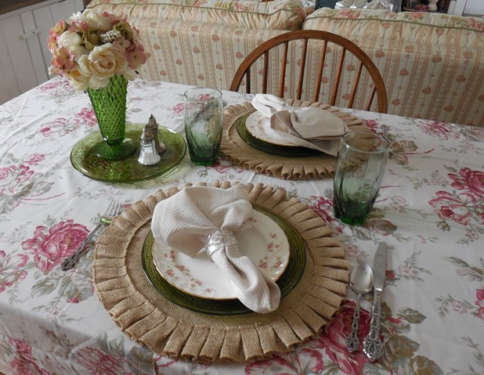 Faded Summer Table - Florence | Vintage Floral Cottage