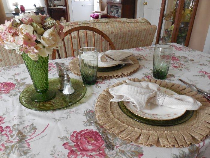 Faded Summer Table - Florence | Vintage Floral Cottage