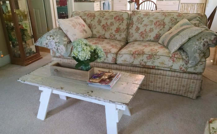 New couch | Vintage Floral Cottage
