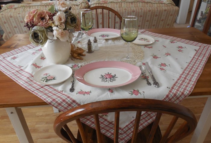 Faded Summer Table - Roses | Vintage Floral Cottage