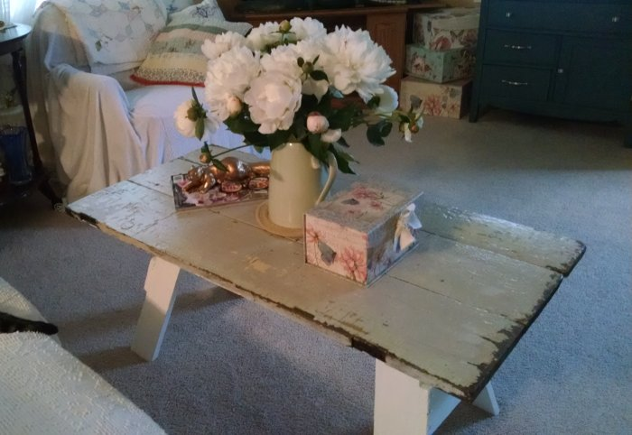 Sawhorse coffee table | Vintage Floral Cottage