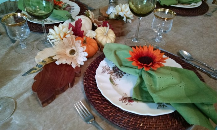 Thanksgiving Table Vintage Floral Cottage