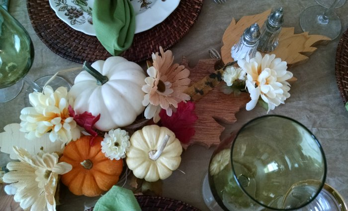 Thanksgiving table | Vintage Floral Cottage