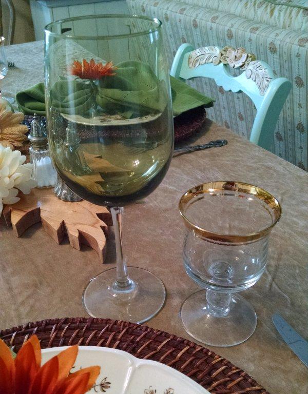 Thanksgiving table   Vintage Floral Cottage