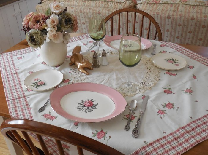 Norway Rose platter table | Vintage Floral Cottage