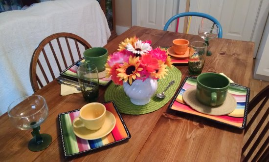Cinco de Mayo table | Vintage Floral Cottage