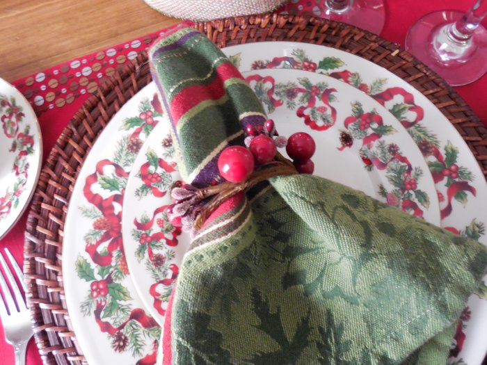 Christmas Ribbon Table | Vintage Floral Cottage