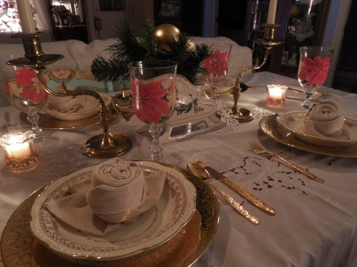 Golden Christmas Tablescape | Vintage Floral Cottage