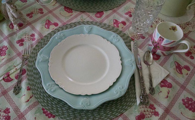 Mother's Day Table | Vintage Floral Cottage
