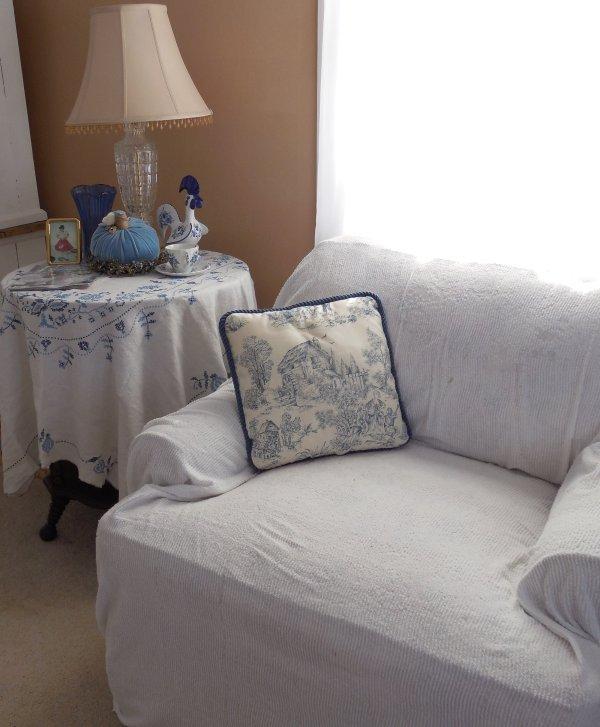 Blue and white   Vintage Floral Cottage