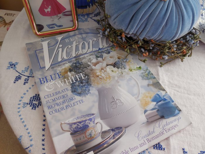 Blue and white vignette | Vintage Floral Cottage