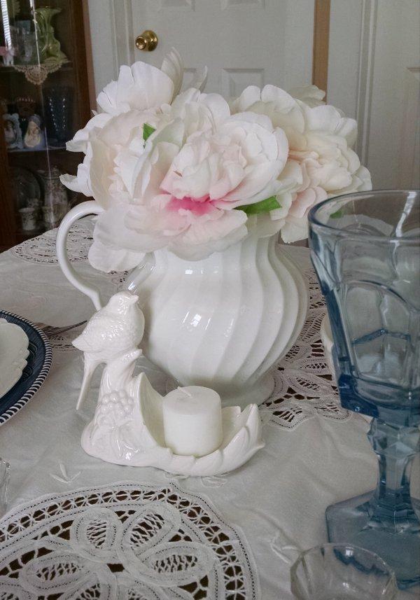 Currier & Ives   Vintage Floral Cottage