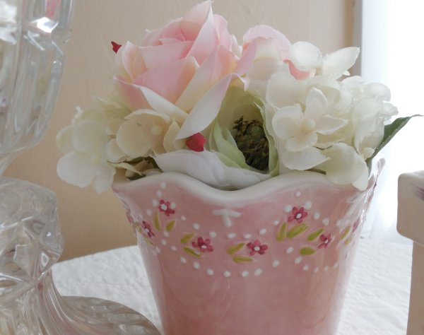 Valentine's Decor | Vintage Floral Cottage
