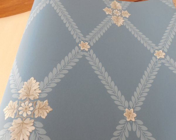 Wallpaper sample book | Vintage Floral CottageWallpaper sample book | Vintage Floral Cottage