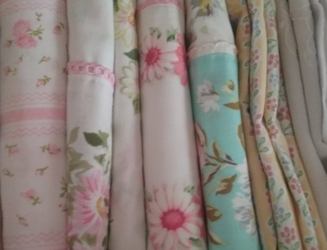 Pretty top sheets | Vintage Floral Cottage
