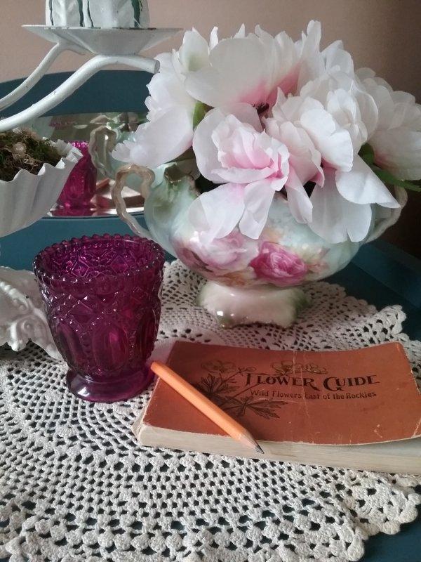 Floral Bowl | Vintage Floral Cottage
