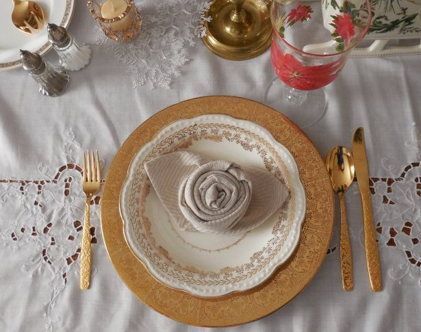 Golden Shimmer | Vintage Floral Cottage
