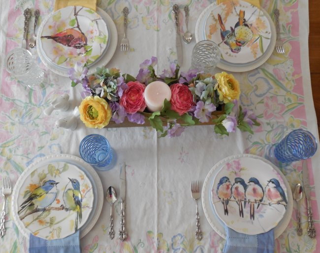 Bird table overview | Vintage Floral Cottage