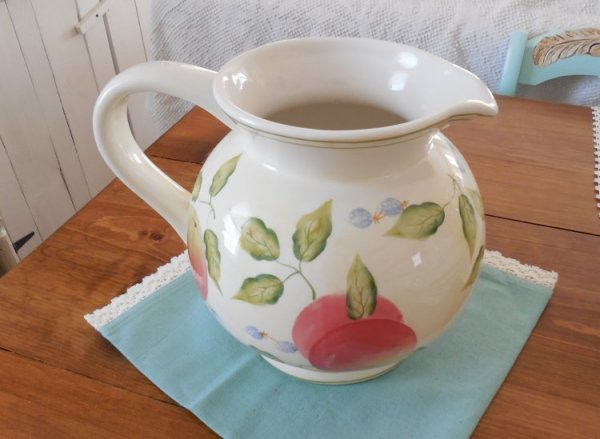 Large pitcher | Vintage Floral Cottage