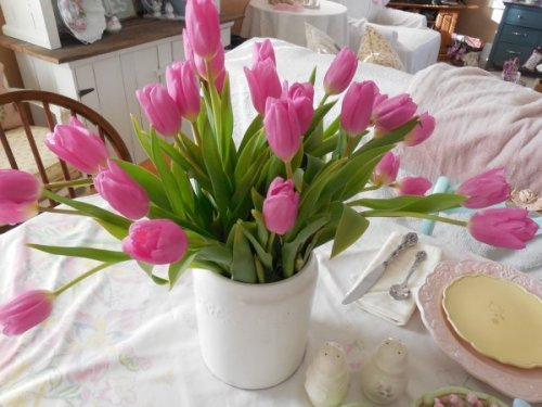 Real Tulips | Vintage Floral Cottage