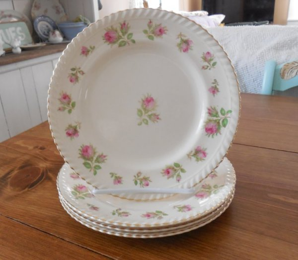 Windsor Ware plates | Vintage Floral Cottage