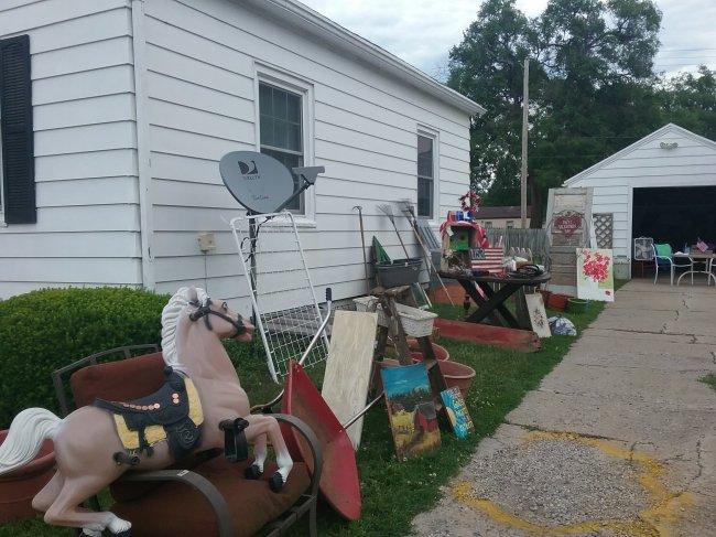 Garden Junk Yard Sale | Vintage Floral Cottage