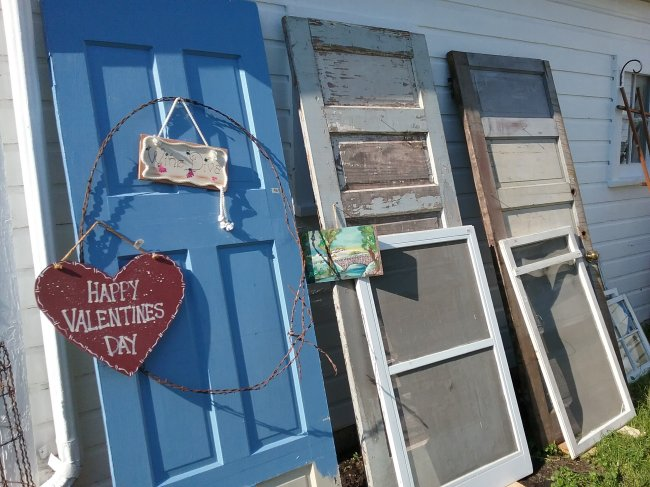 Garden Junk Garage Sale | Vintage Floral Cottage