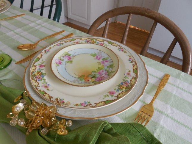 Vintage dinnerware summer garden table | Vintage Floral Cottage