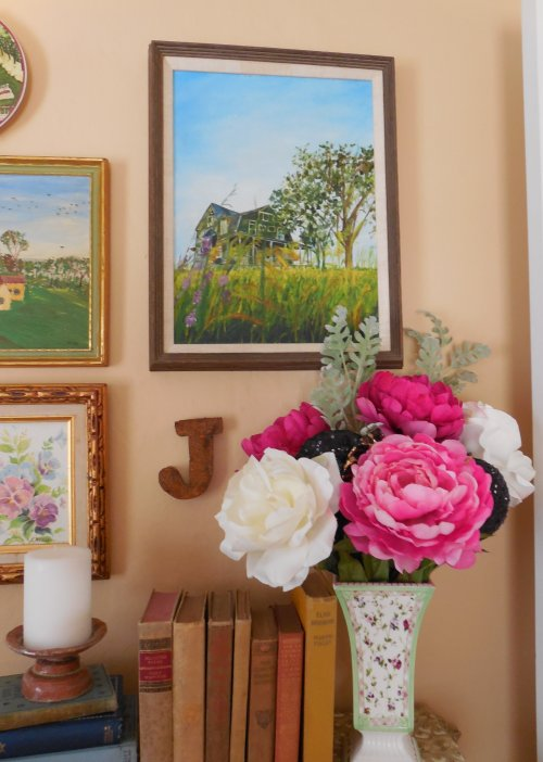 Flowers in bedroom group | Vintage Floral Cottage