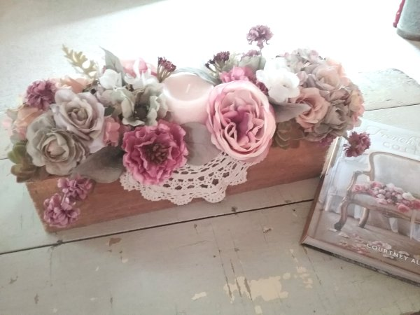 Wooden box decor | Vintage Floral Cottage