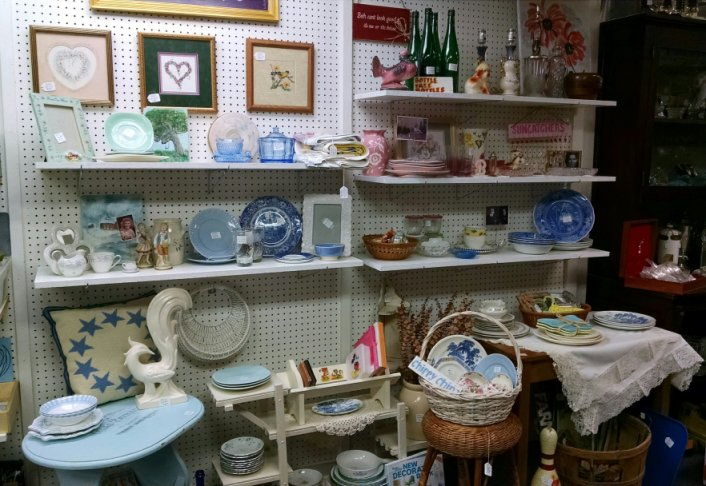 Original antique mall booth | Vintage Floral Cottage