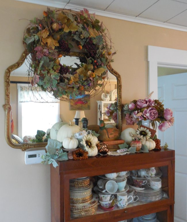 Fall mantle decor | Vintage Floral Cottage