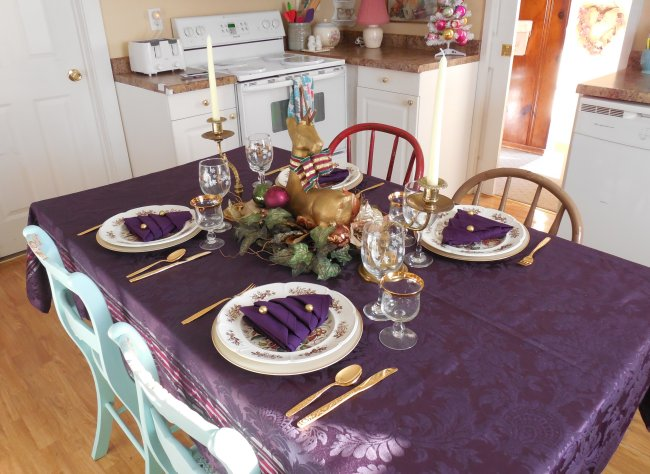 Elegant deep purple Christmas tablescape | Vintage Floral Cottage