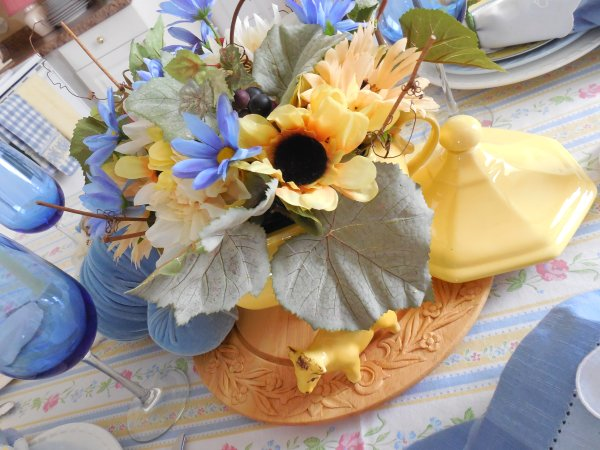 Provence Inspired Table | Vintage Floral Cottage