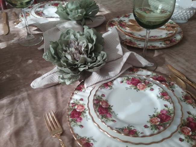Thanksgiving with Old Country Roses | Vintage Floral Cottage