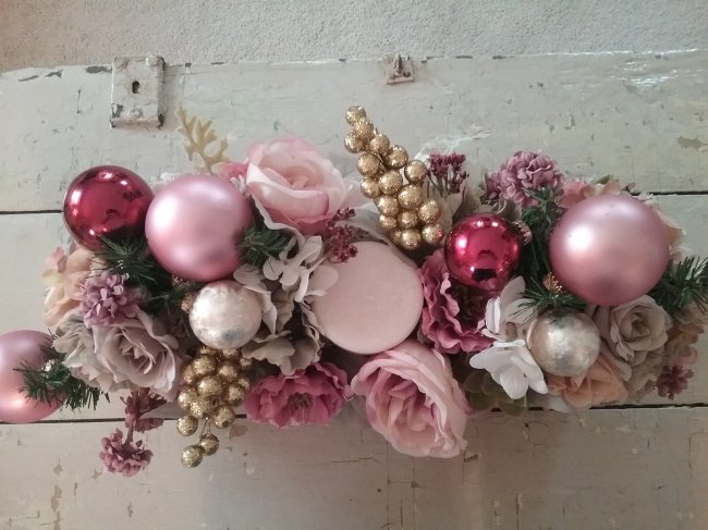Christmas decor | Vintage Floral Cottage