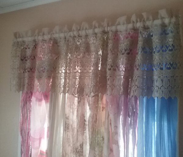 Boho chic window treatment | Vintage Floral Cottage