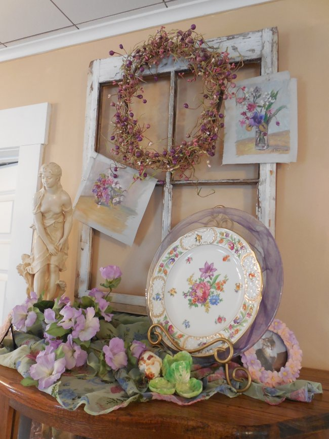 English garden vignette | Vintage Floral Cottage