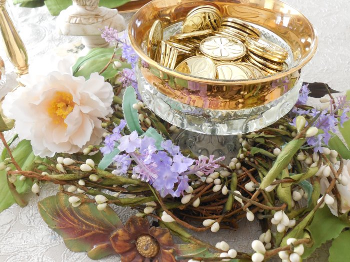 Pot of Gold St. Patrick's Table 2019| Vintage Floral Cottage