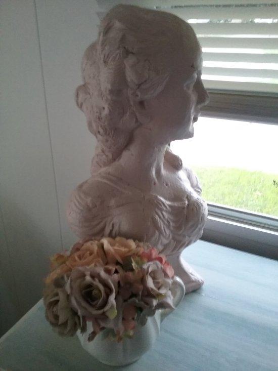 Emma bust | Vintage Floral Cottage