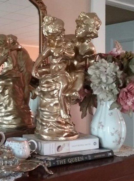 Gold statue | Vintage Floral Cottage