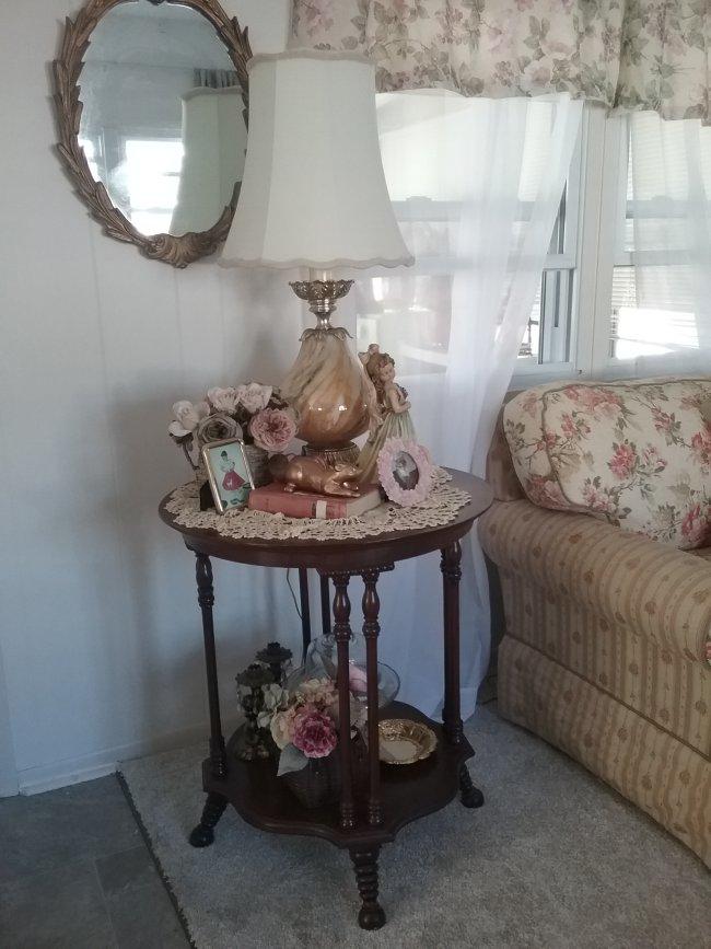 Mobile home living room | Vintage Floral Cottage