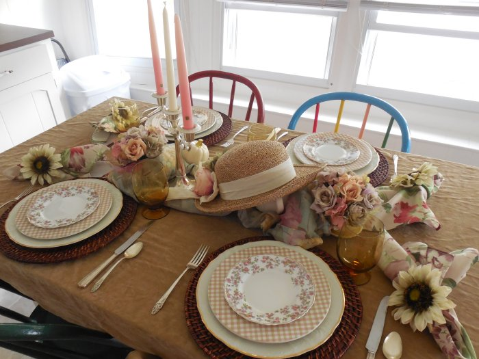 Faded Summer Table 2019 | Vintage Floral Cottage