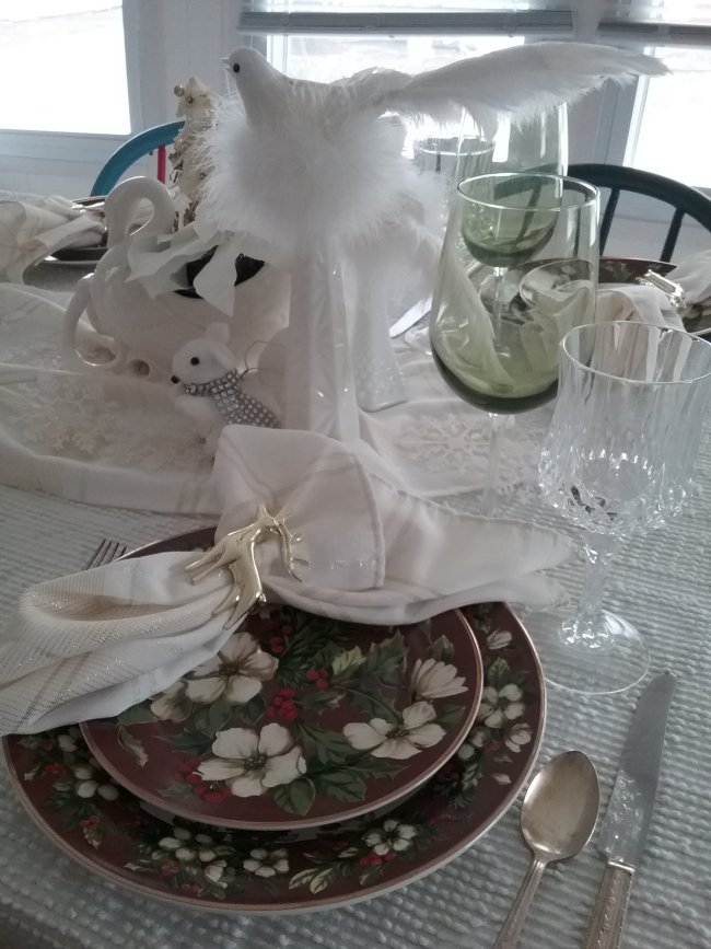 Winter's Majesty Table | Vintage Floral Cottage