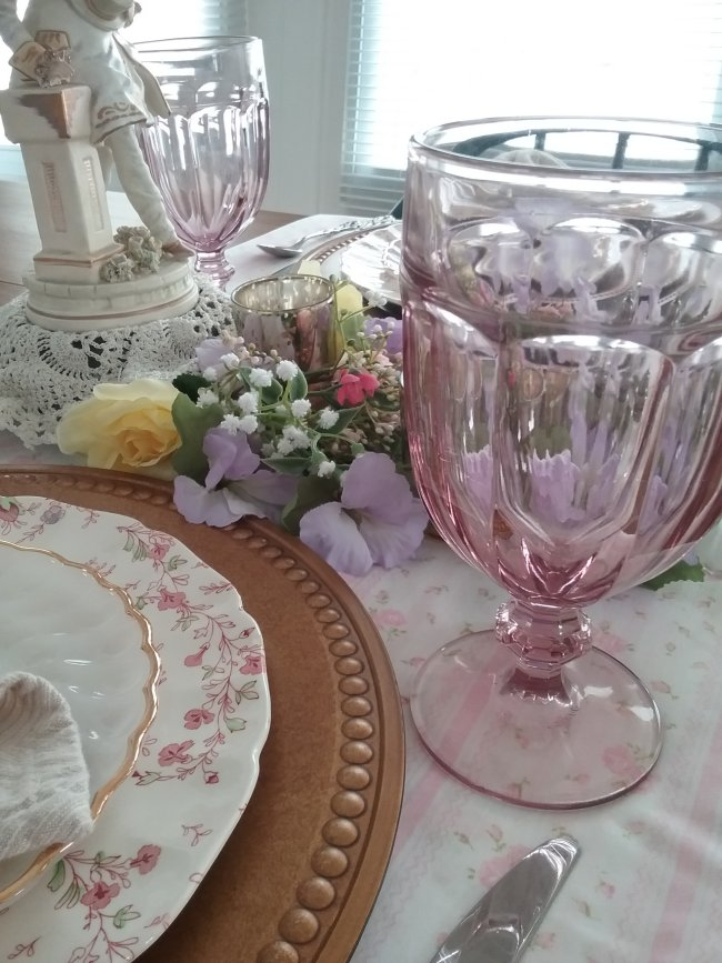 Valentines Day 2020 table | Vintage Floral Cottage