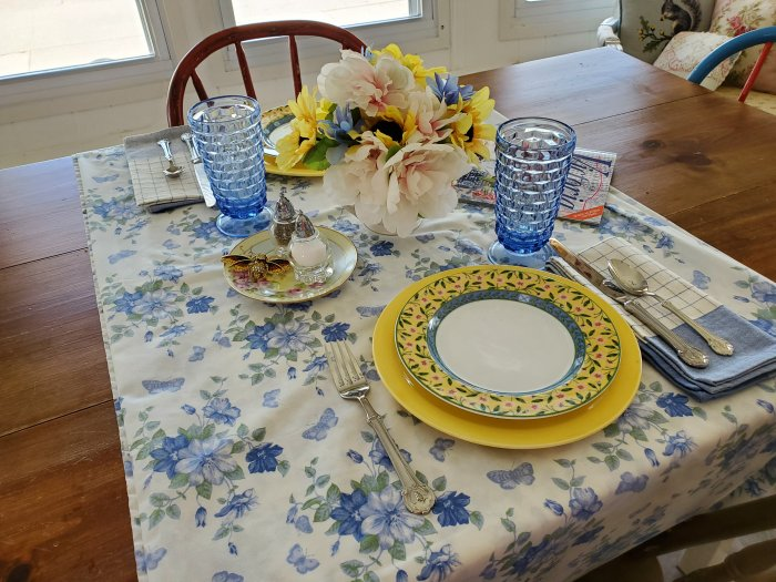 Provence Inspired table for two | Vintage Floral Cottage