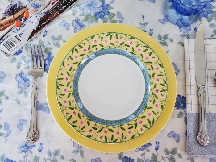 Provence Inspired table 2020 | Vintage Floral Cottage