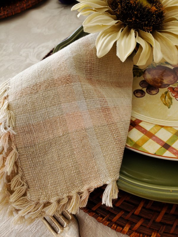 Plaid napkins in a Fall Thanksgiving tablescape by VFCstyle.com