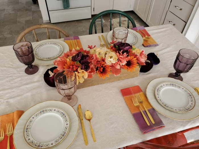 Fall tablescape in bold colors | Vintage Floral Cottage